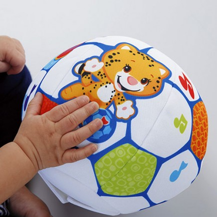 Fisher Price Shakira First Steps Collection Move 'n Groove Soccer Ball