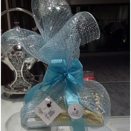 $ 100 Exclusive Happy Welcome Gift Basket Blue